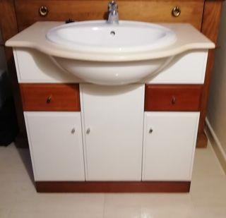 Mueble baño, lavabo y grifo