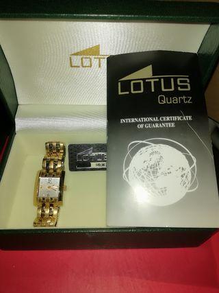 Reloj Lotus chapado en oro