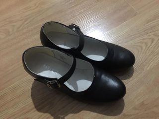 Zapatos tacón niña