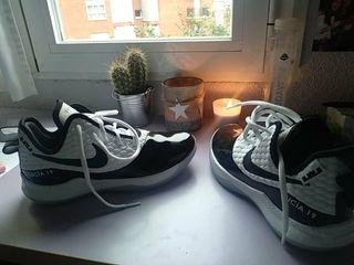 Zapatillas de Baloncesto Negras y Blancas