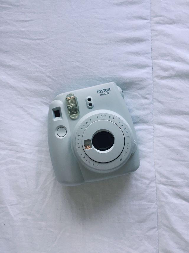 Cámara polaroid instax mini 9
