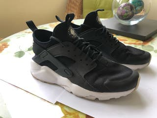 Nike huarache Run ultra talla 42