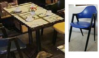 Conjunto de mesa vintage con 4 sillas azules