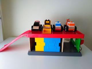 Juguete niño garaje ikea con 4 coches