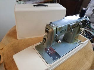maquina coser Alfa 103