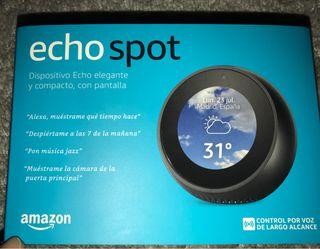 Alexa Amazon Echo Spot inmaculado.