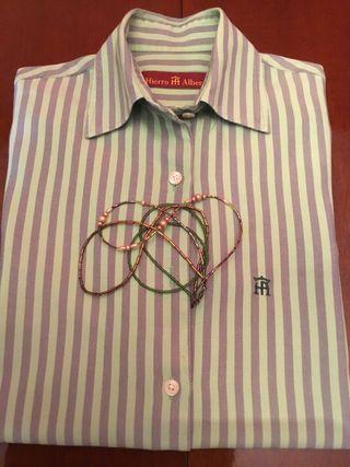 Camisa de mujer, talla 42,muy buen estado,como nue