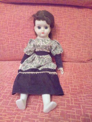 muñeca, porcelana, ojos durmientes.
