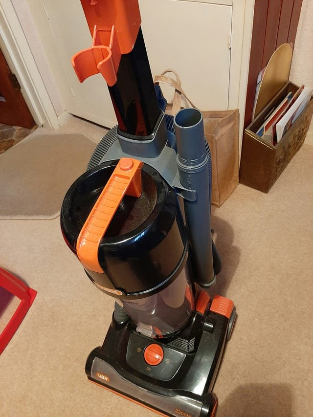 Fax 2300 w Upright hoover