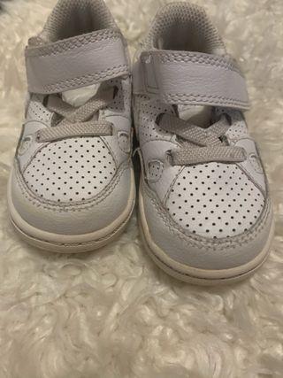 Zapatillas Nike talla 22