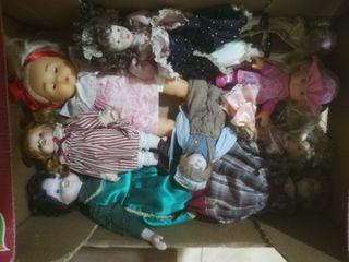Lote de 9 muñecas de porcelana