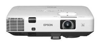 Proyector 5.000L Epson + Pantalla Draper 3x4