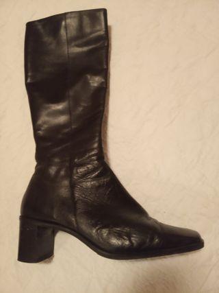 botas de piel en perfecto estado