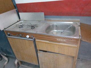 mueble de carávana Adriá con frigorífico