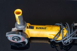 Amoladora DeWalt + discos de corte metal
