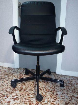 2 sillas de escritorio iguales