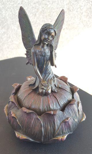 Caja de resina con figura de hada - Veronese