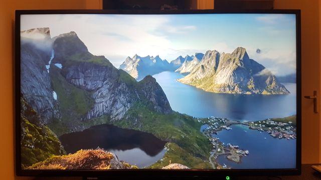 Toshiba 43' LCD colour TV
