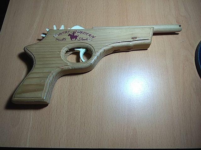 Pistola lanzagomas
