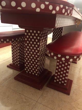 Mesa de madera maciza con celestone
