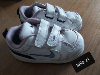 bota de invierno 10€ y zapatilla Nike 5€