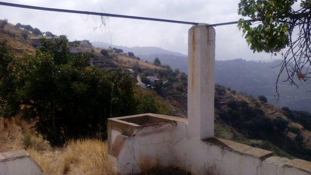 Cortijo Sayalonga reformar en 21.000 m2 parcela