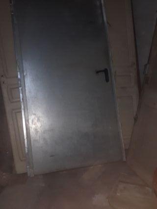 puerta ignufuga 1000 g. con marco y cerradura.