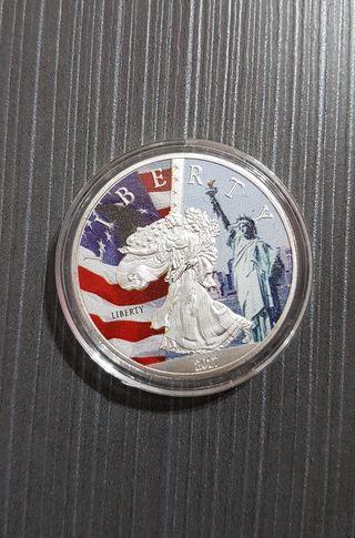 Moneda Estatua de la Libertad Plateada