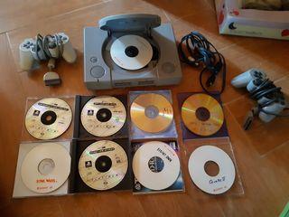 PlayStation, juegos y 2 mandos.