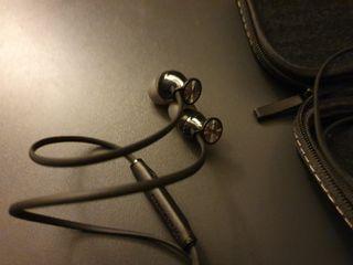 Sennheiser momentum in ear negro. versión android