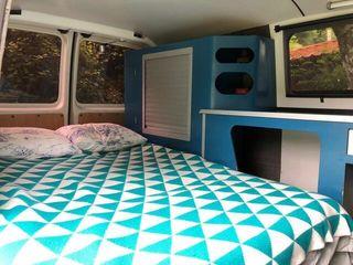 Volkswagen T5 camper