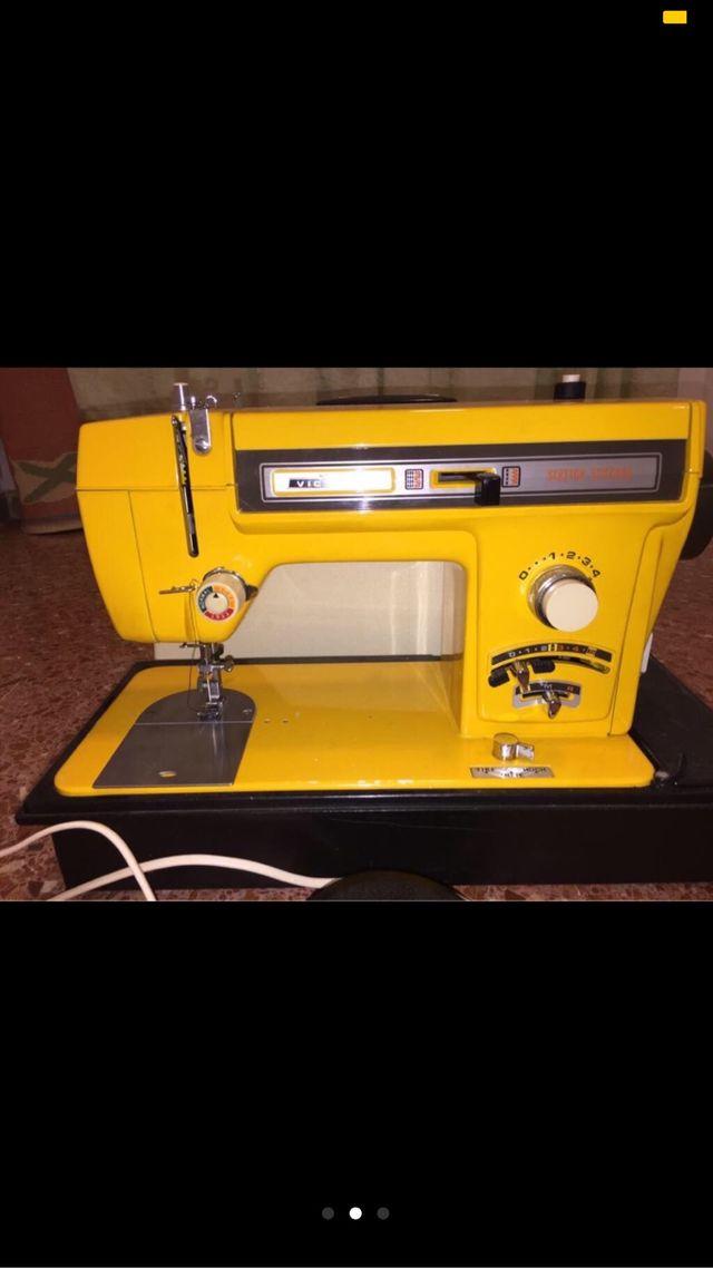 Maquina de coser alemana