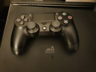 Playstation 4 1tb con 1 mando y 8 juegos