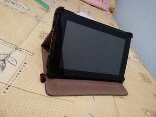 """Tablet Sunstech 9 """" con funda."""