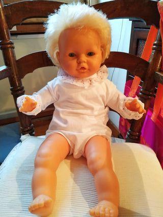 Bebe muñeco de Famosa