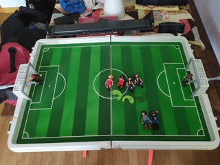 futbolin playmobil en perfecto estado.