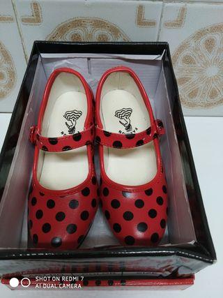 zapatos sevillanas talla 24