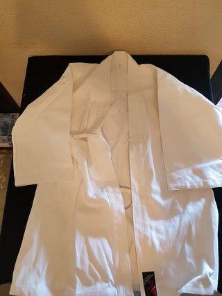 chaqueta hakama de kárate