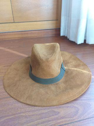 Sombrero Zara ala larga. Talla S