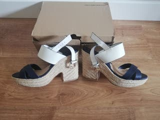 Sandalias esparto verano azul marino y blancas de segunda