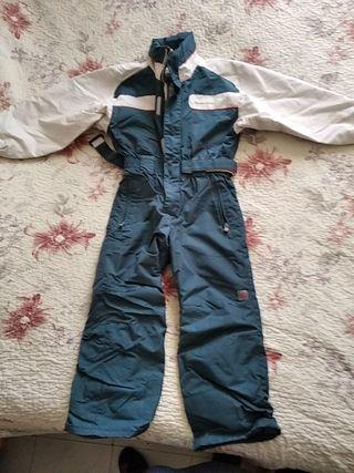 traje de nieve para el niño