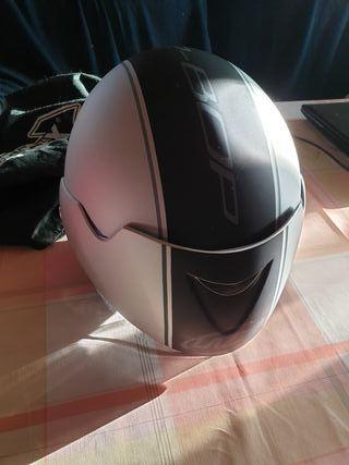 casco de moto nuevo de calidad.
