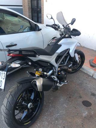 Ducati hyperstrada hypermotard 821