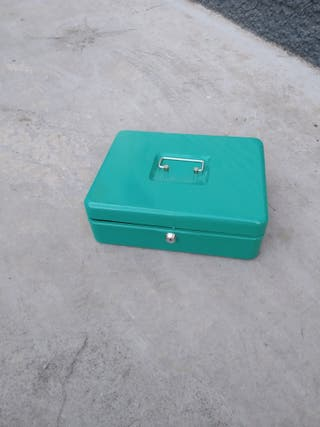 Caja Metálica (sin llave)