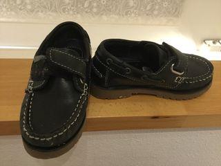 Zapatos uniforme estilo mocasín nuevos
