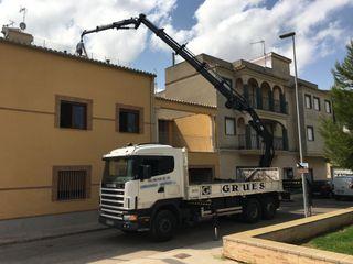 Scania con grúa Hiab 245+Jib
