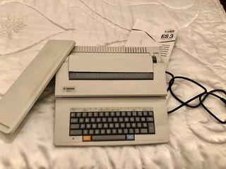 Máquina de escribir eléctrica Canon.