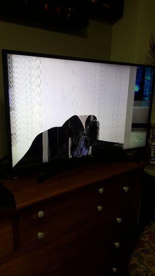 tv LG 43 pantalla rota tiene un año de uso