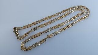 preciosa cadena en oro