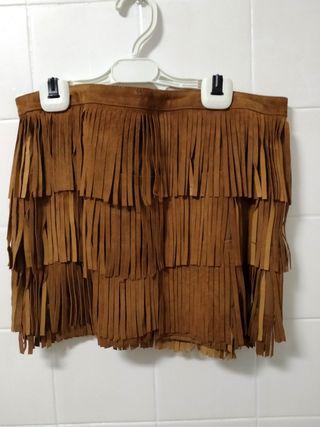 falda ante flecos marrón